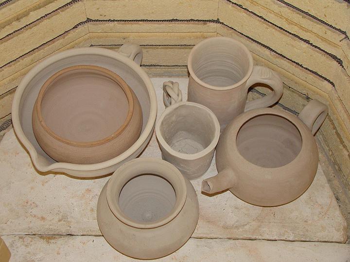 Pottery lessons inside kilns_72