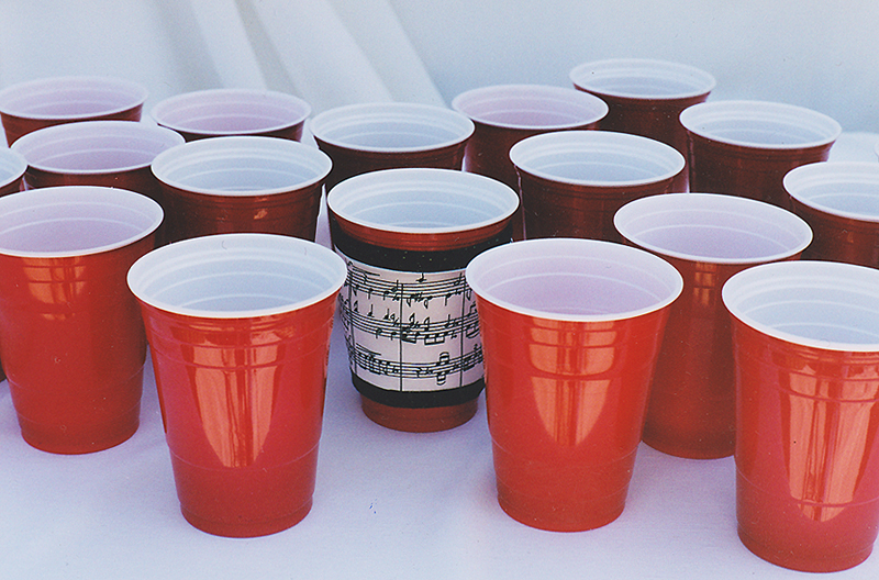 Thinsulate insulated Music Kup Kollar on 16 ounce plastic party cups.