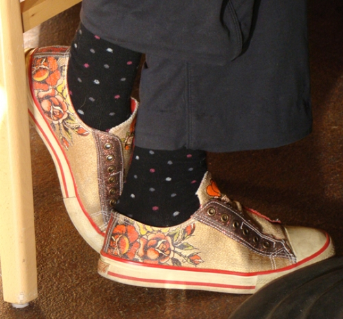 Jan-18-2012-1858-Capital-Hill-orange-shoes_72.jpg