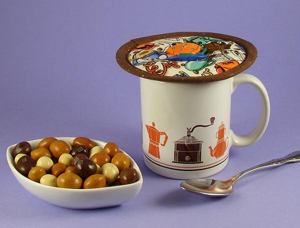 Thinsulate insulated Espresso Medley Kup Kap on mug from IKEA.