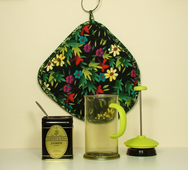 Thinsulate insulated Flowers and Red Birds Koffee Kozee.