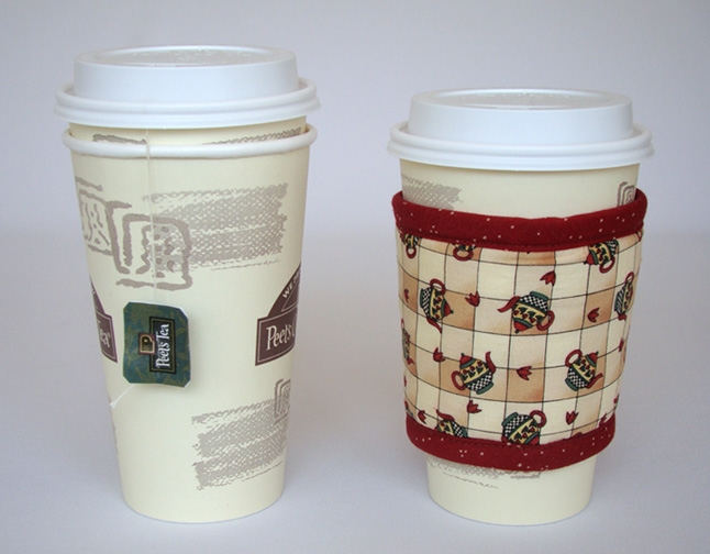 Thinsulate insulated Teapots Kup Kollar on a 16 ounce hot take-out cup.