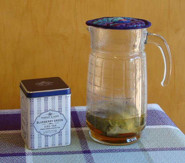 Tea Blueberry Green iced Harney Sons 2.jpg
