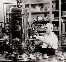 Italian-style commercial espresso shop in Manhattan, 1942. Outside the city, few people were familiar with Italian espresso coffee during World War II.