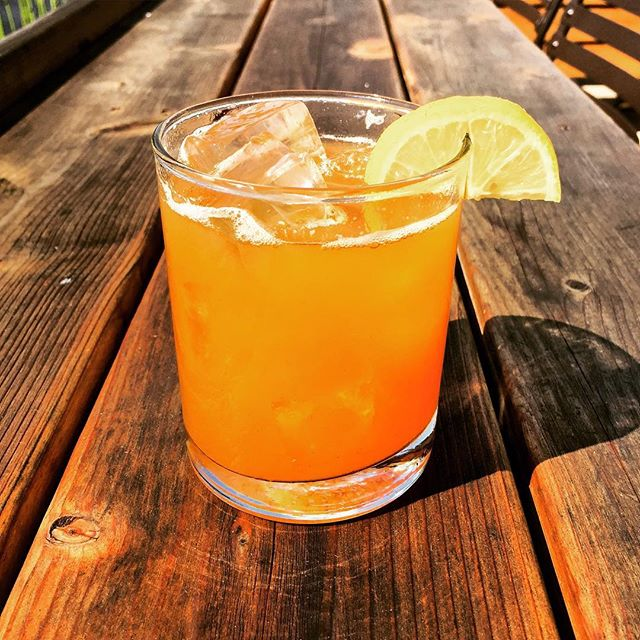 Cocktail of the day is an Arnold Palmer Whiskey Sour: bourbon, fresh lemon, and house earl grey syrup. Only $5 during Happy Hour!
