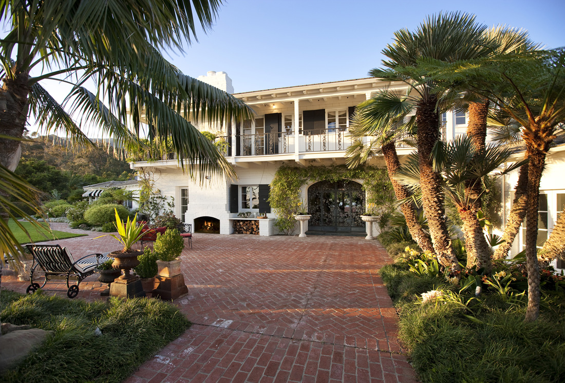 Ocean view estate on 5 acres with all amenities - Montecito