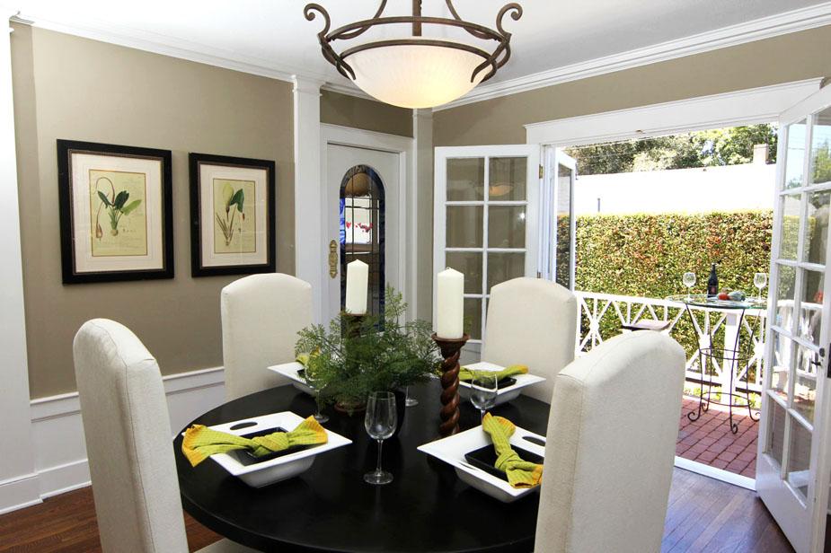 5-diningroom2_light_web.jpg