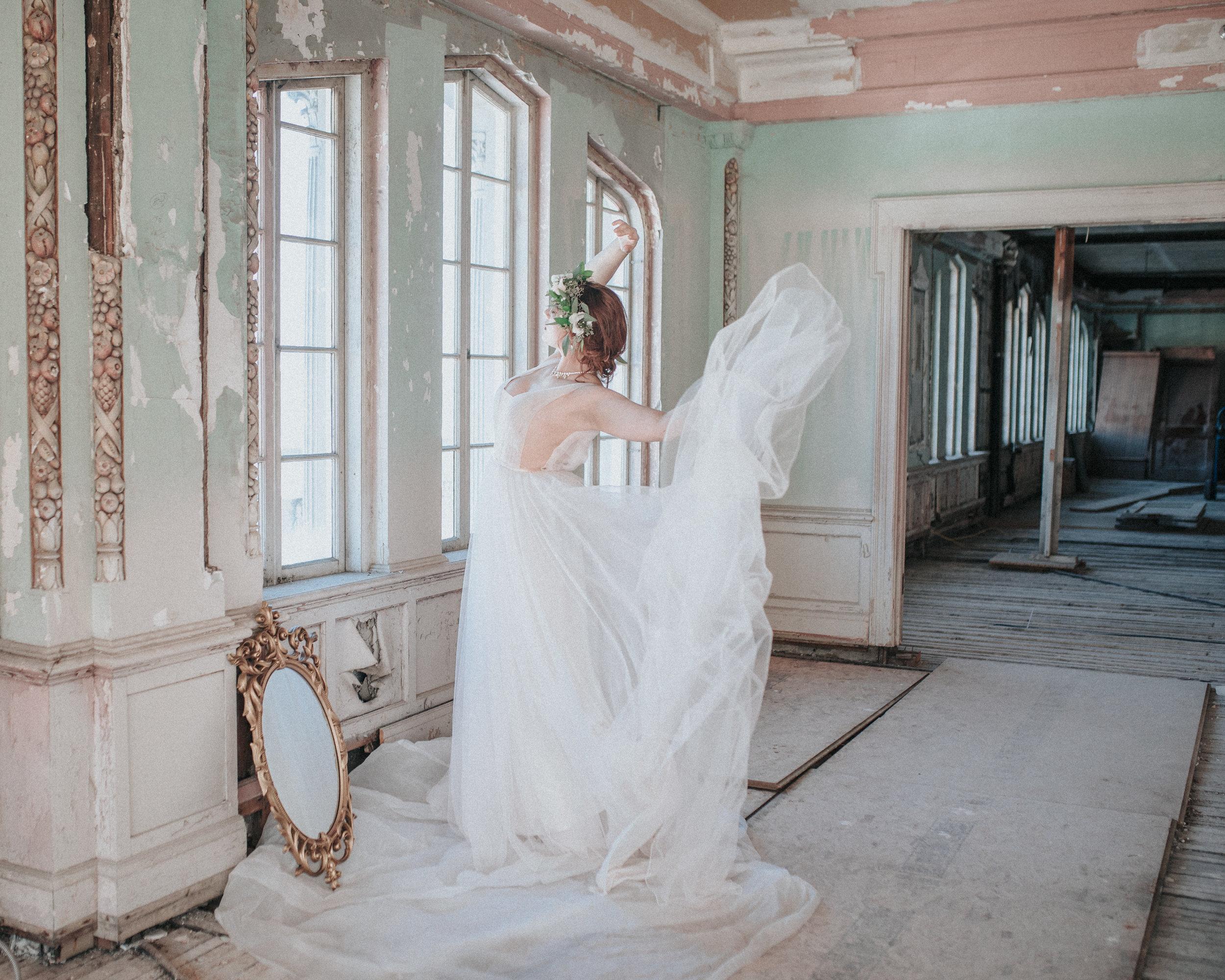 Rachel-Salisbury-Photography-Among-The-Ruins-09.jpg