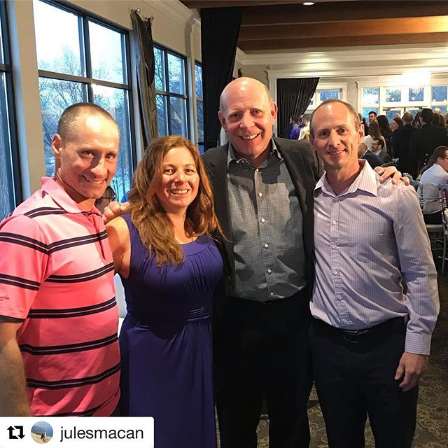 "😮Three LTEC members are curling at the Lupus Spiel and ran into this guy: ""Sometimes you get to hang with the best curler in the world 😬"" -@julesmacan ・・・ #KevinMartin #K-Mart #TheOldBear #GoodCurling #Curling #Epic #TahoeCurling #HallOfFame #WorldChamp #LTEC #Bonspiel #LupusSpielUSA @hughlar33"