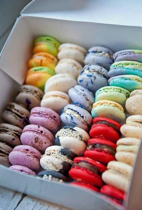 CAUSE A LITTLE FRISSON WITH SOME  FRENCH MACARONS