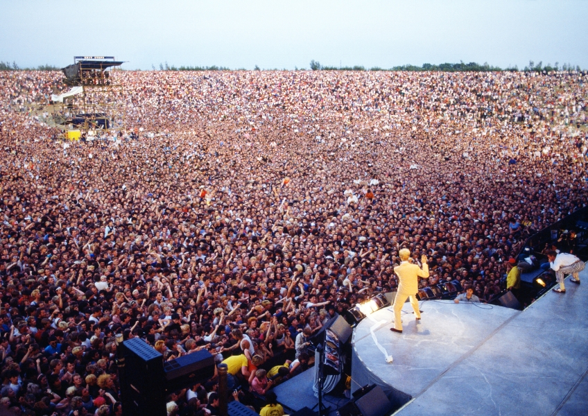 Milton Keynes Bowl UK.jpg