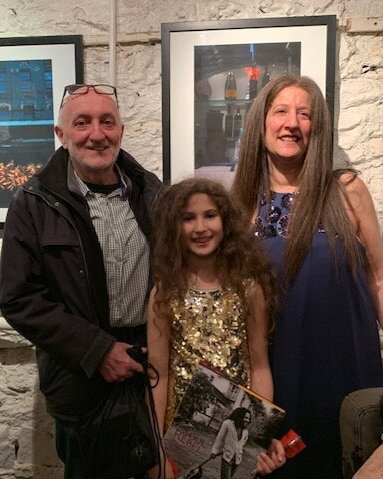 Frank Fournier with Ilon Art Gallery owner, Loni Efron and her daughter.