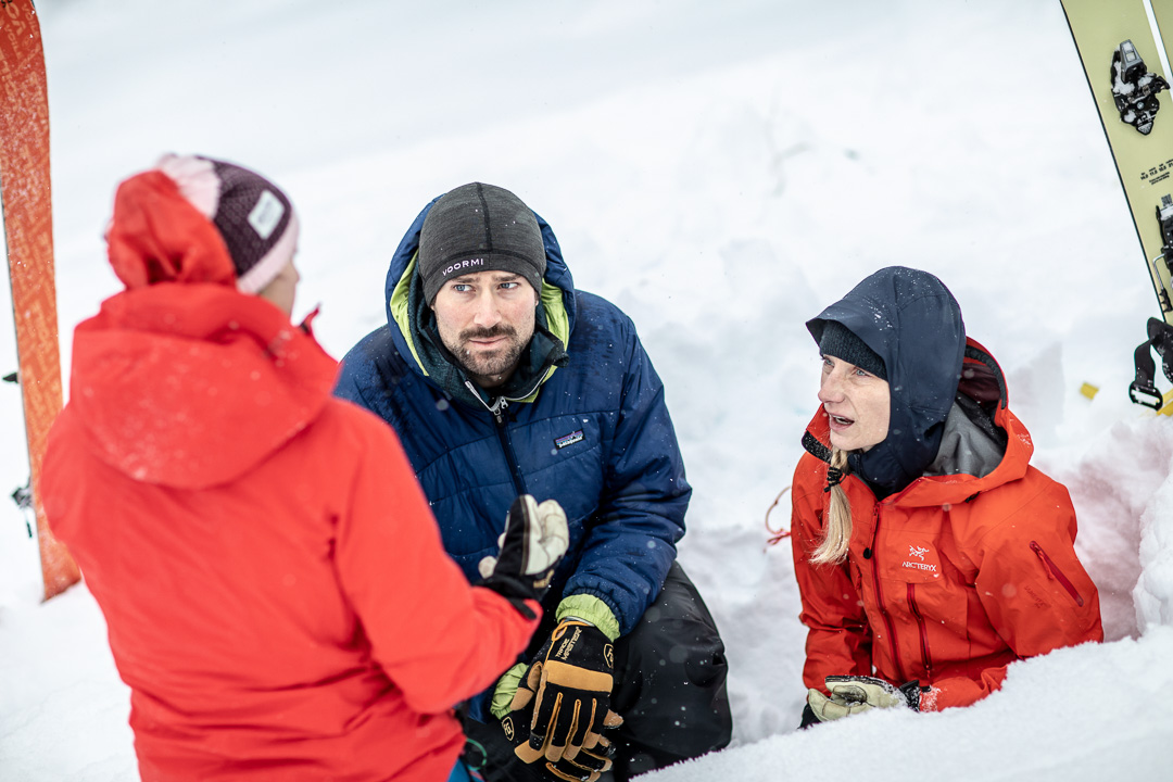 Alaska-Guide-Collective_avalanche-learning.jpg