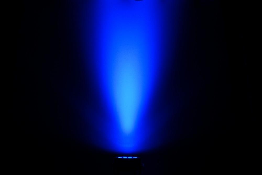 Chauvet_Professional_COLORdash_uplight_blue.JPG