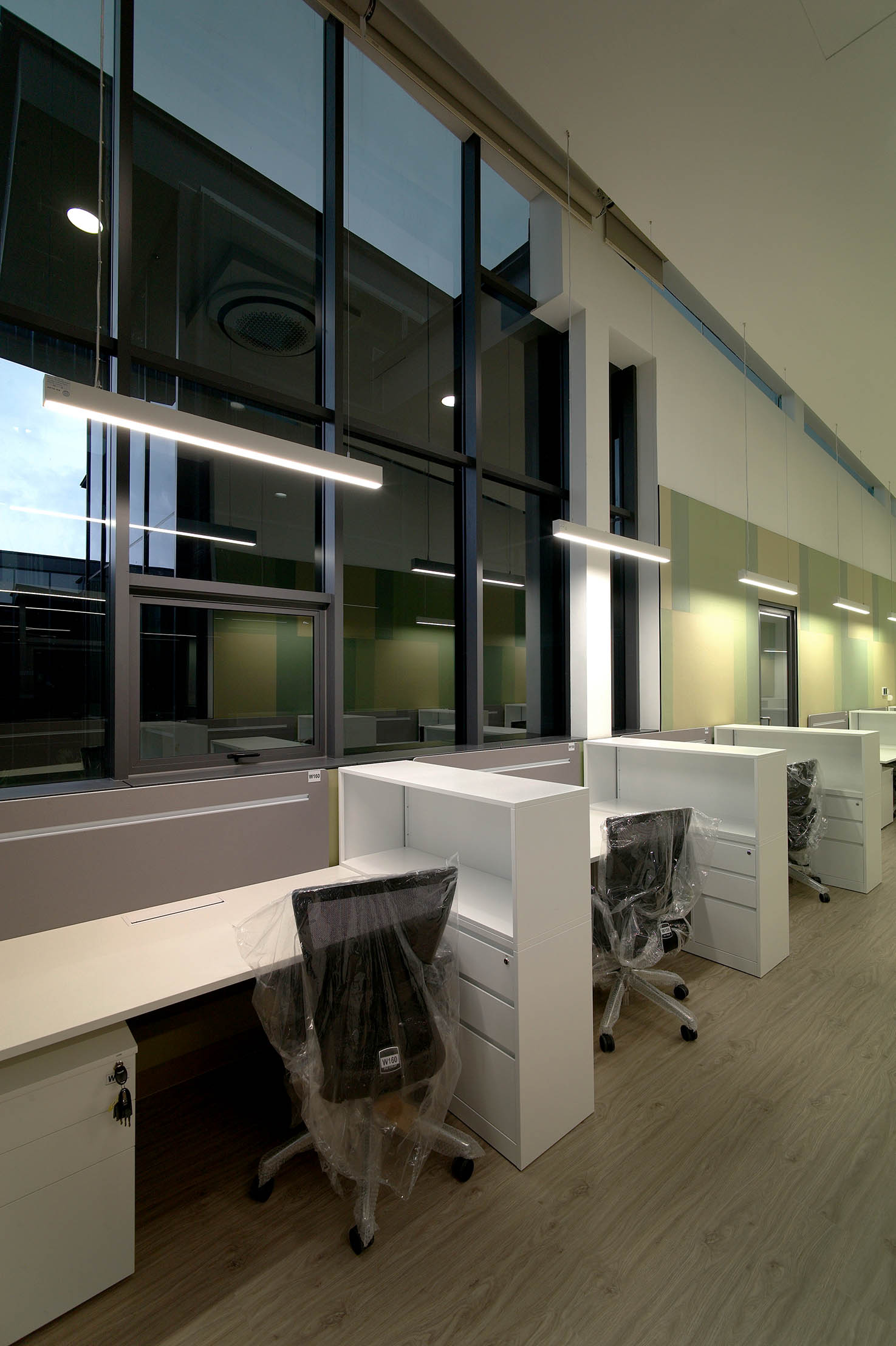 2nd Storey_Green Theme Open Office 7_workstation with view_LR.jpg