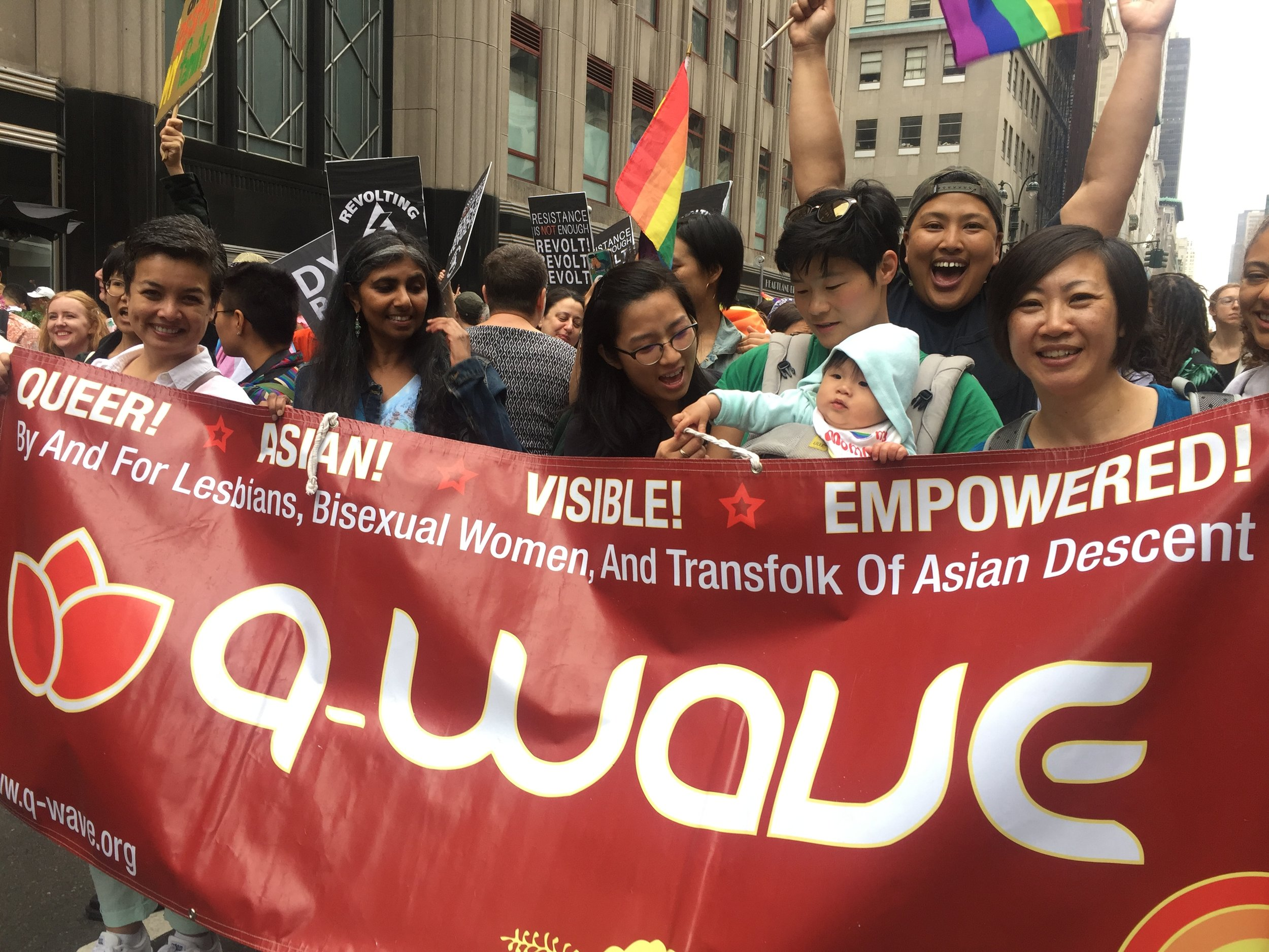 Q-Wavers at Dyke March!