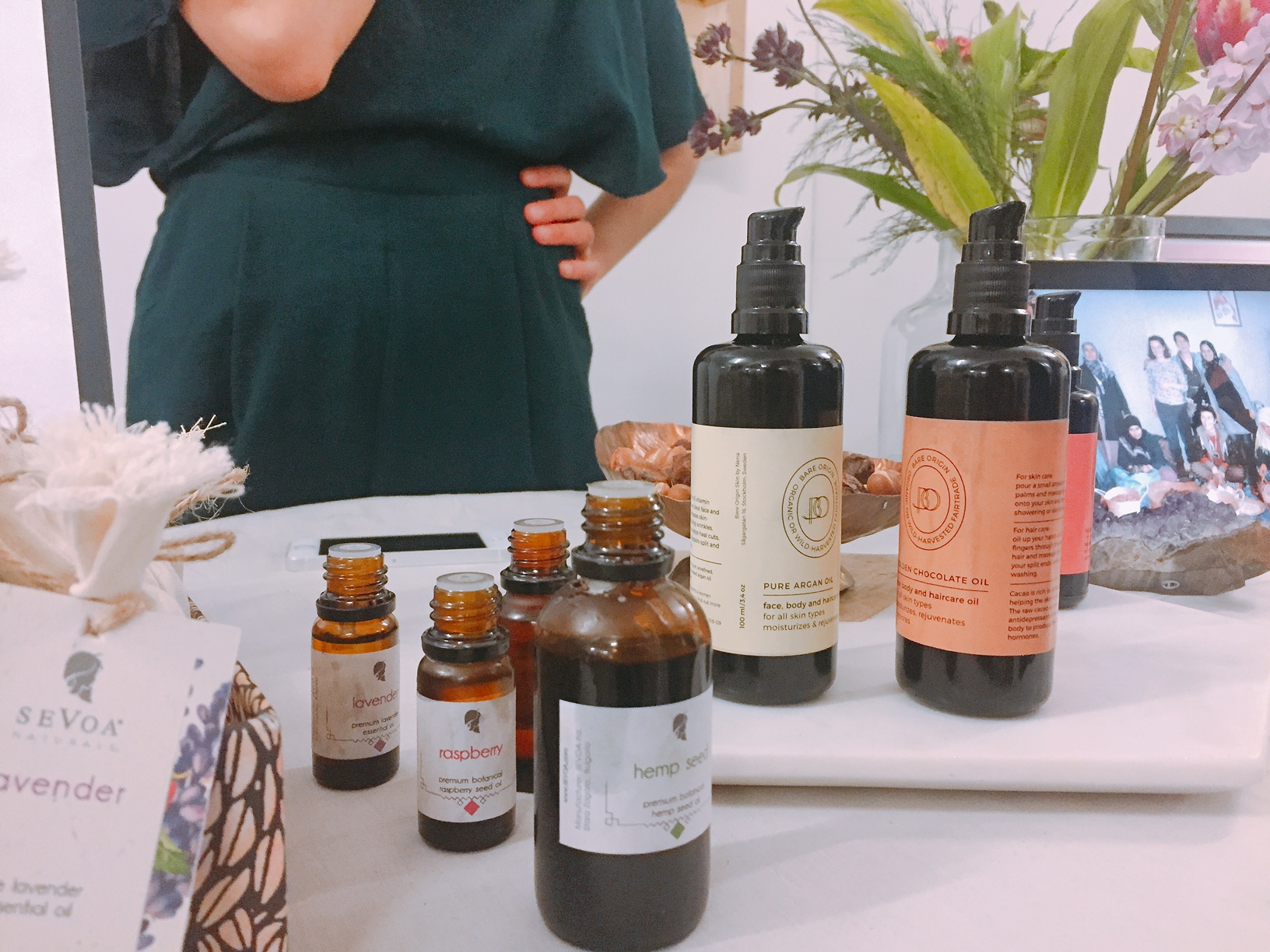 Bare Origin - Lovely meeting Nena from Bare Origin, drawn to her passion about sourcing the best for her oils.This particular rosehip oil is a must-have for your daily routine.