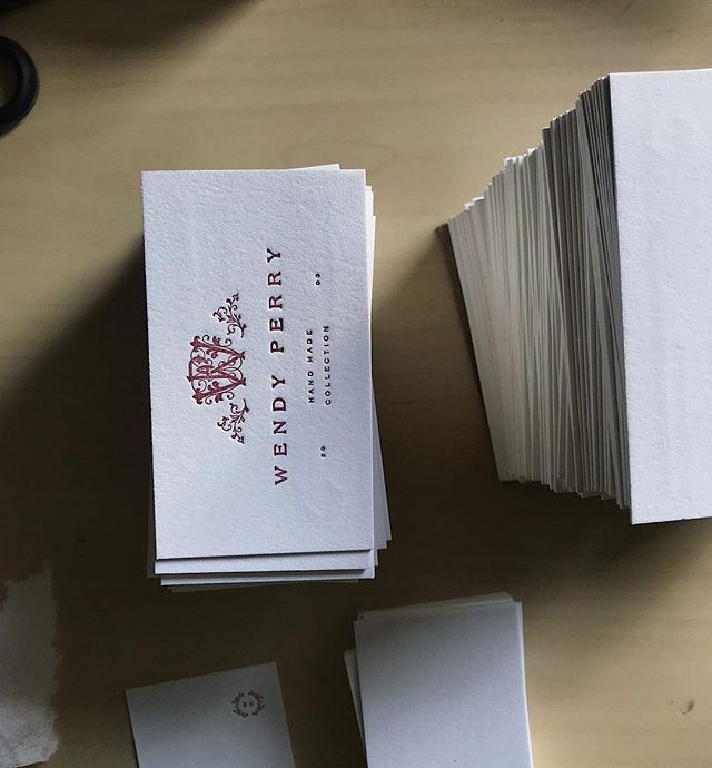Finished off 2018 printing these pretty business cards! 🙌🏼✨ Printed for @wendyperrydesigns  Design by @violahillstudio  Thank you to all who got something printed from #forthepressatl. I'm planning and looking forward to another good year! I'll be sharing some stuff in the next couple of days that was printed this year that I never got around to sharing! 👀🤞🏼