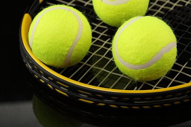 black-background--tennis-ball--ball--round_3192009.jpg