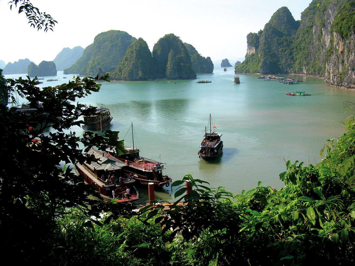 VIETNAM Halong Bay from cave steps_1500px.jpg