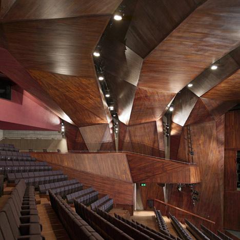 dezeen_Lyric-Theatre-by-ODonnell-Tuomey_square.jpg