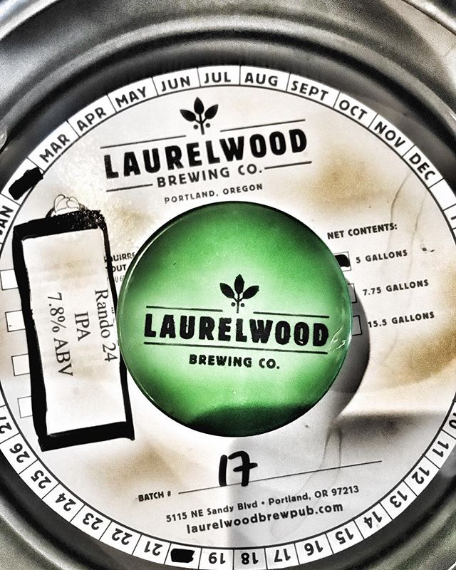 Yum. * * * * * @laurelwoodbrewingco #greatnorthwest #pnw #ilovebeer #beerdo #pdx #pdxbeer #getoutdoors #hike #kayak #craftbeer #beard #lewisriver #staysproosy #sproos