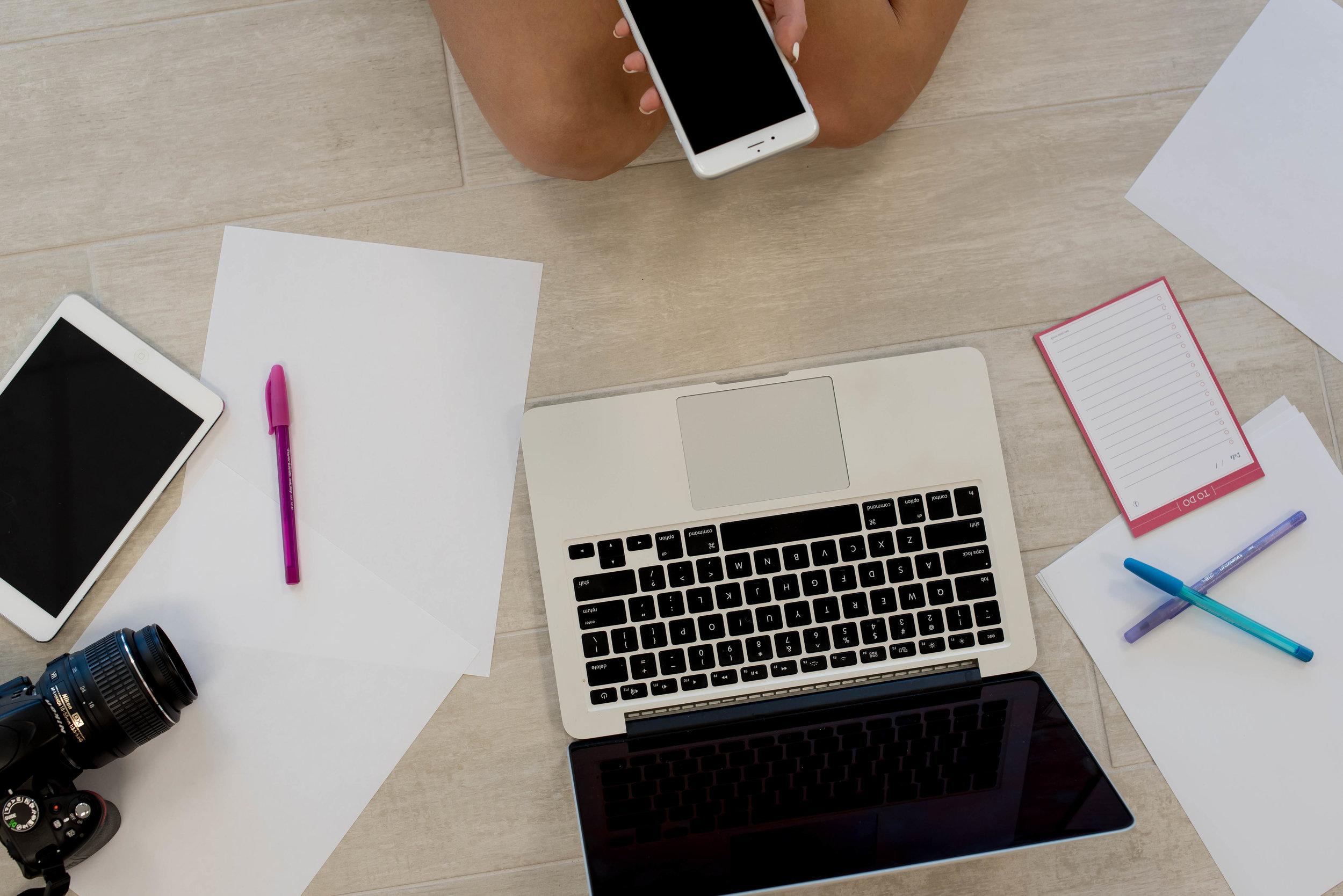 copywriter-writes-business-industry-allison-evelyn