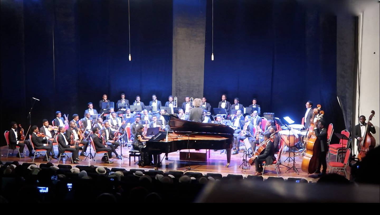 Rebeca Omordia and MUSON Symphony Orchestra