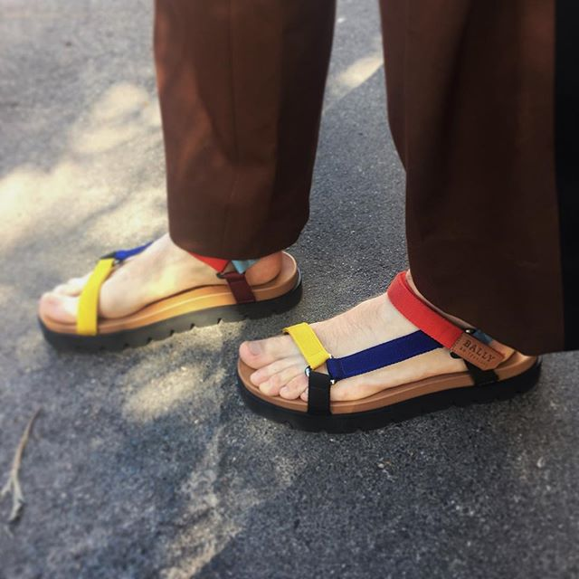 Back to the 90's. Spring came early and couldn't wait to wear my @bally_swiss sandals.