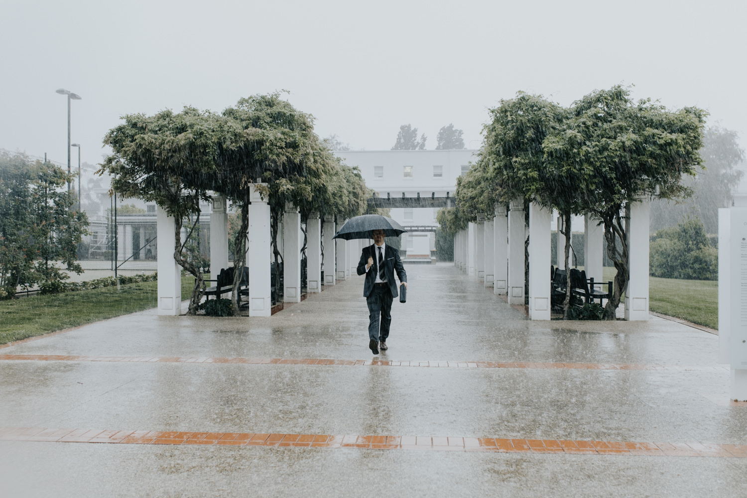 Rained out! Senate Rose Gardens Wedding Canberra - Photography by Jenny Wu Straight No Chaser