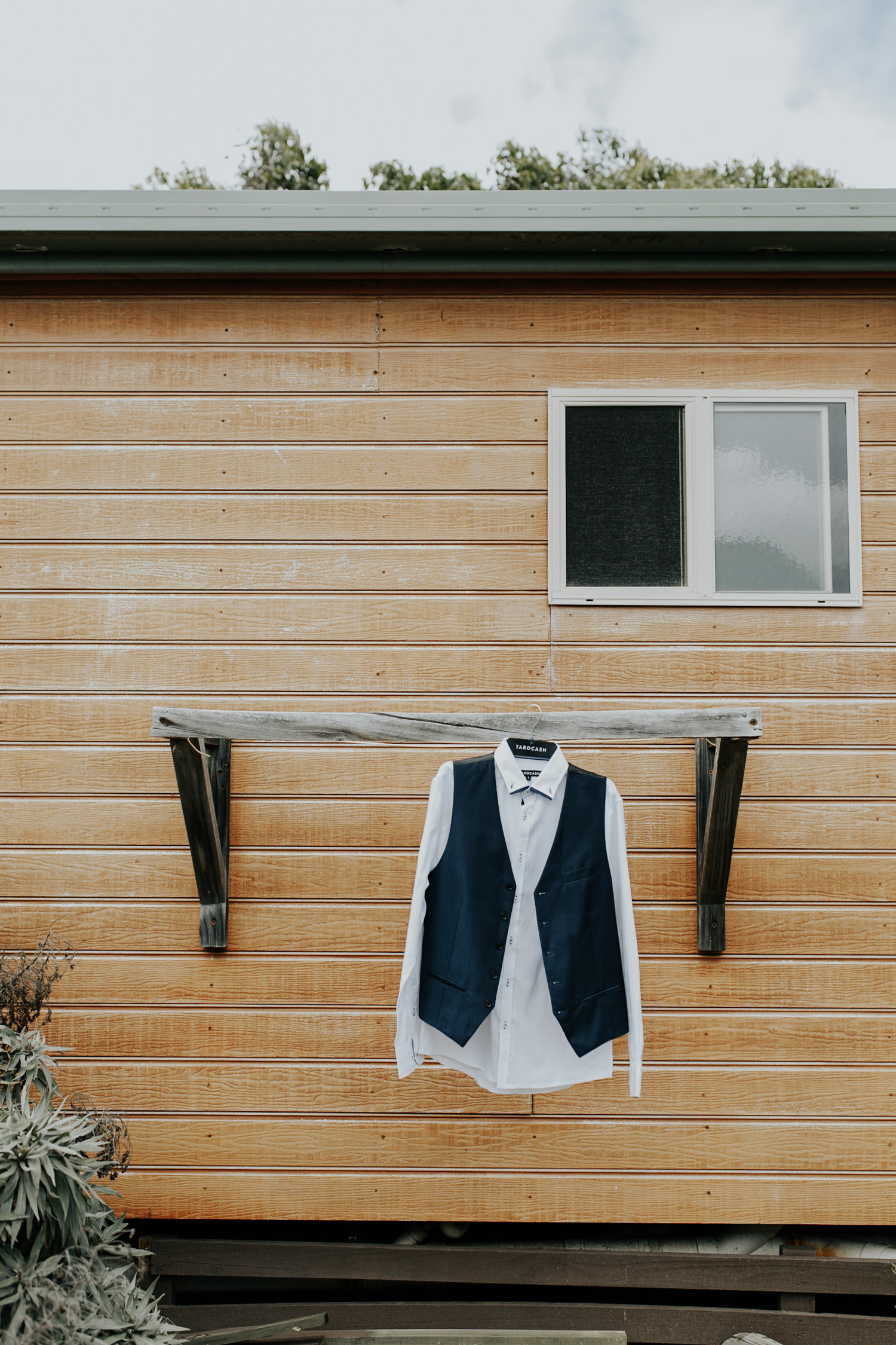 Rustic Oaklands Barn South Coast Wedding - Jenny Wu, Straight No Chaser Photography