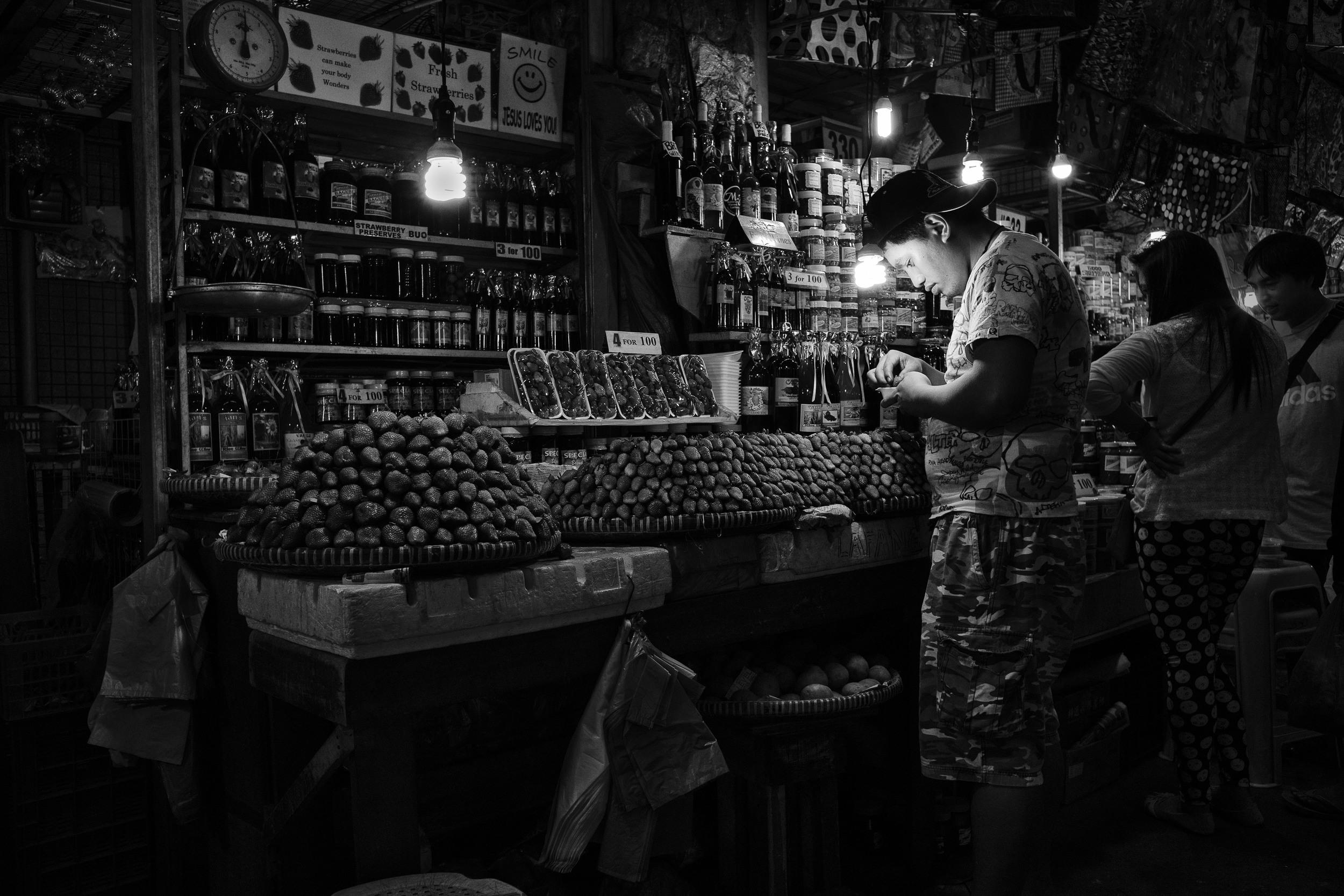 Baguio Market Fruits 1.jpg