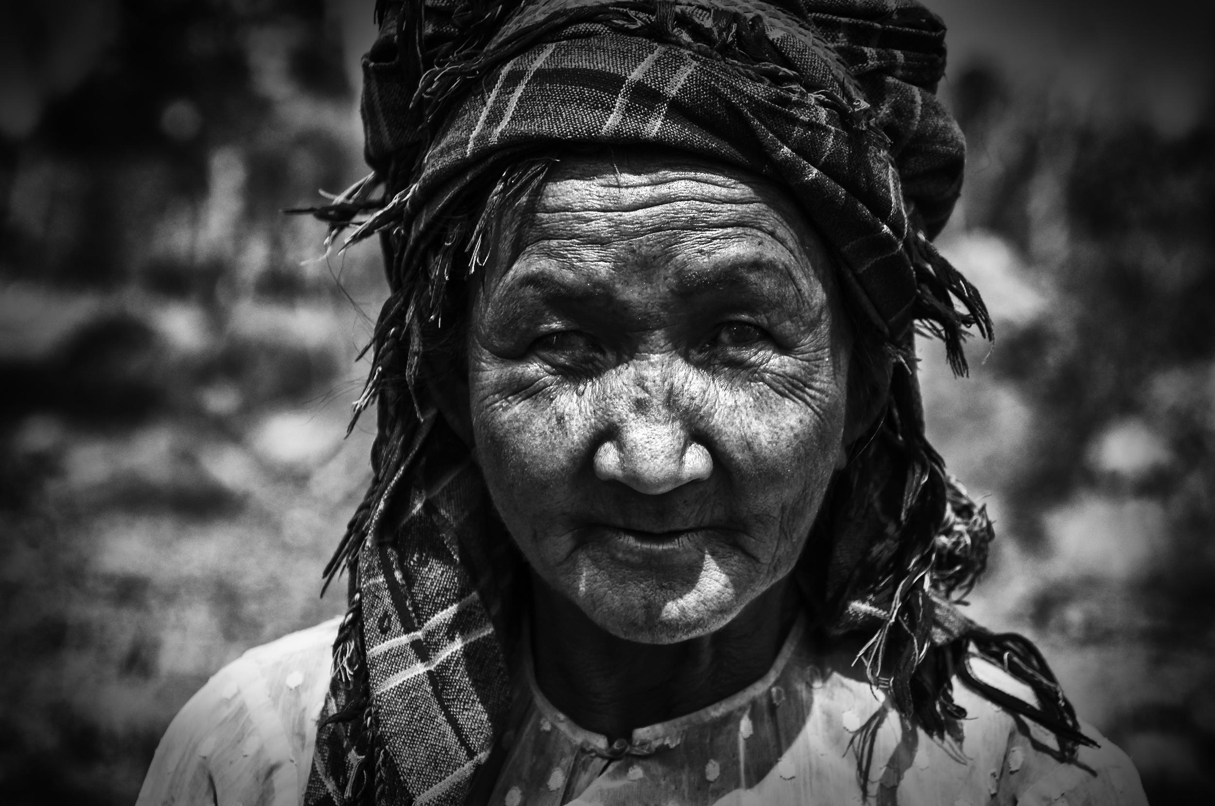 Inle Lake Old Lady.jpg