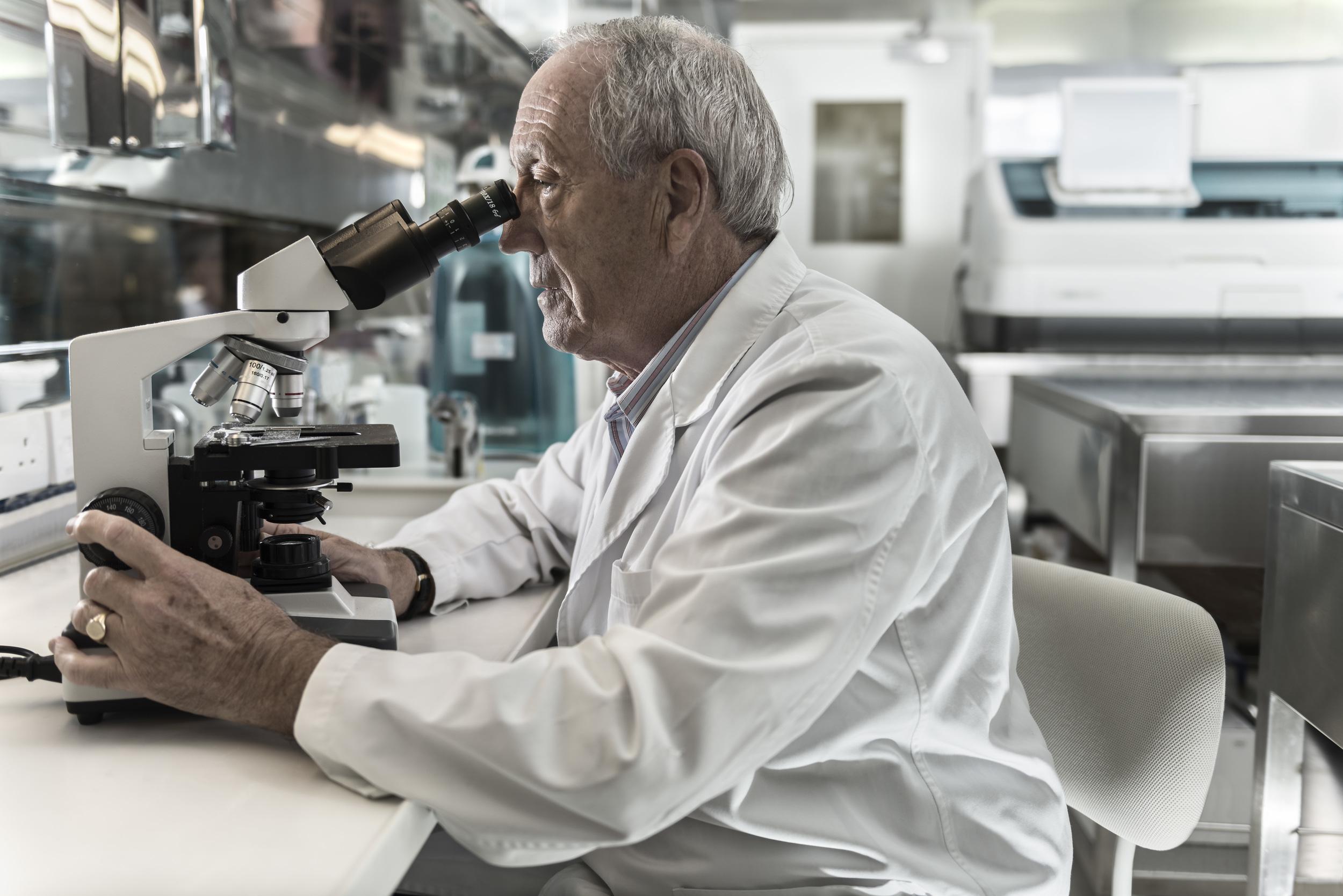 Lab-Microscop.jpg