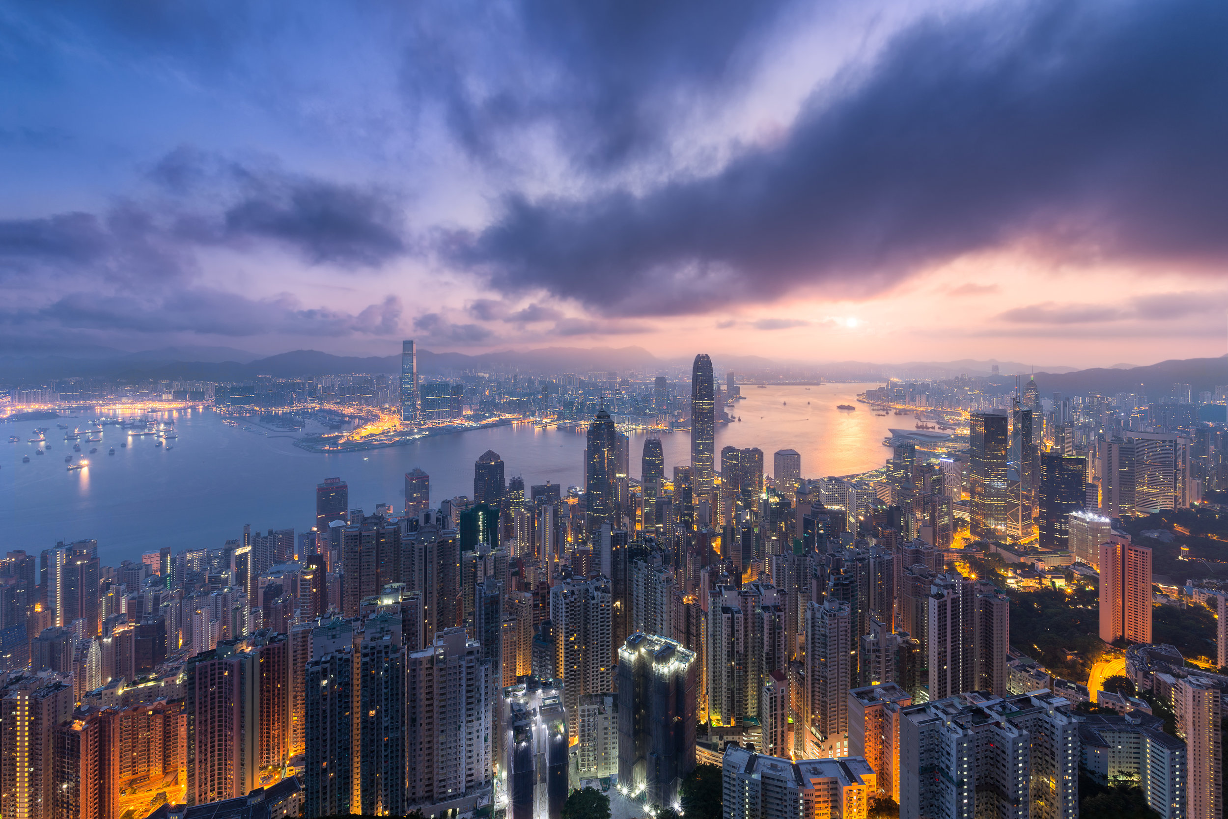 Hong_Kong_Victoria_Harbour.jpg