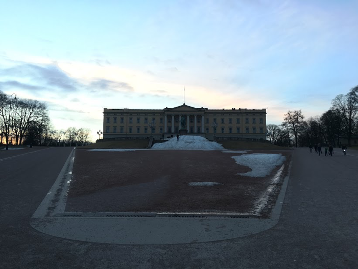 The Norwegian Royal Palace greets you at the end of the famed Karl Johans Gate