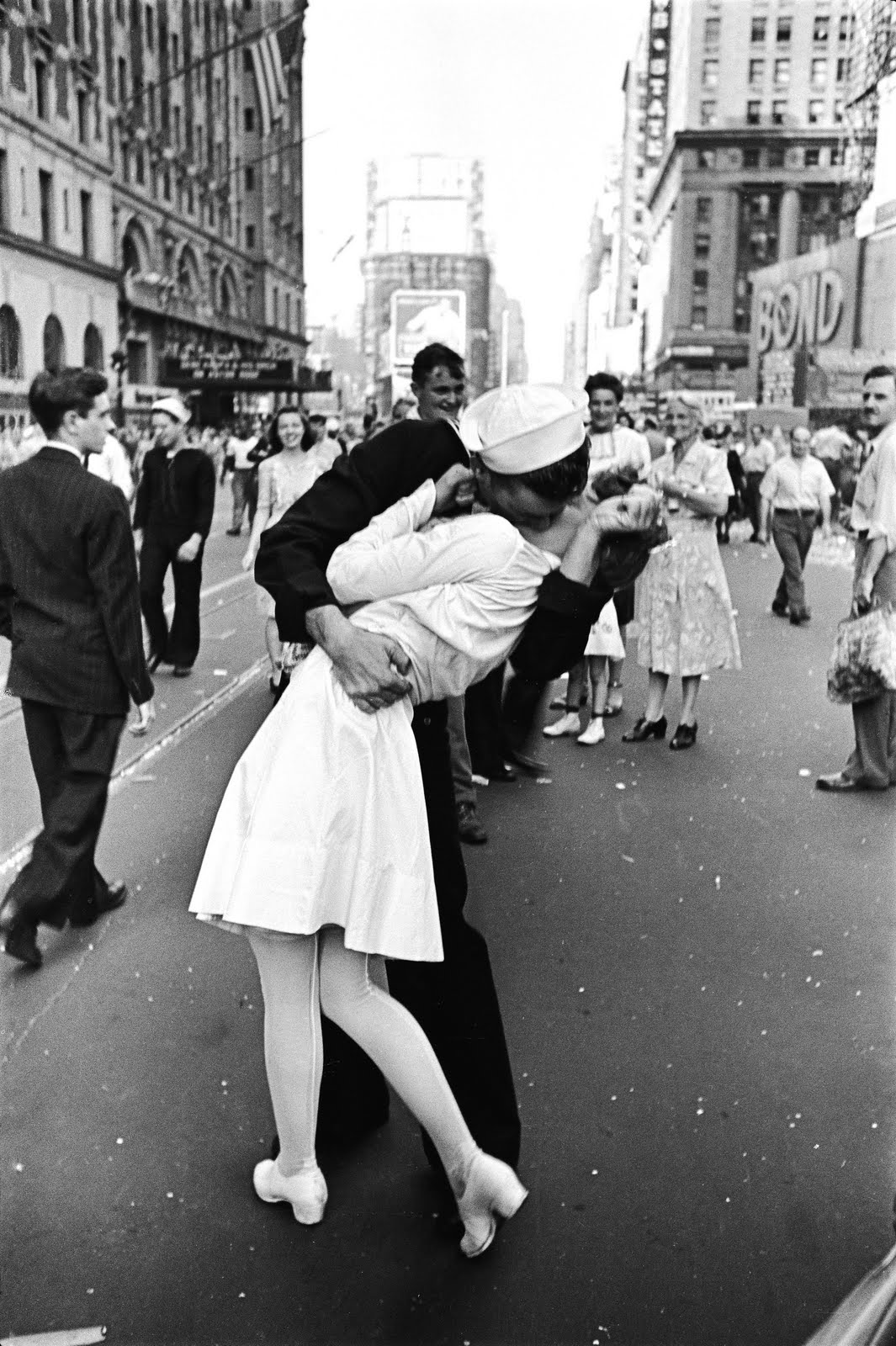 Alfred Eisenstaedt, 'V-J Day in Times Square', 1945