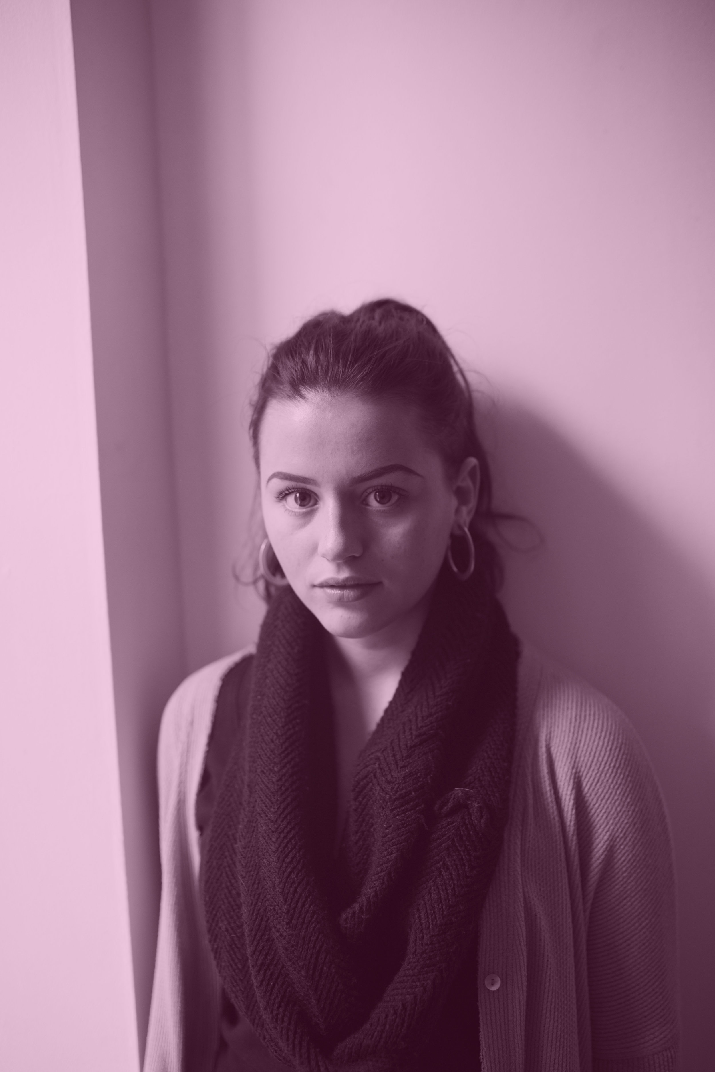 Chiara Wilkinson, Social Media Manager   Chiara is third year Art History and English Literature student from Edinburgh. Aside from her passion for writing, Chiara spends her time at life drawing classes, visiting art exhibitions, ticking off music festivals, and finding new inspiration for the ST.ART Instagram. She joined ST.ART to become more involved with the abundance of creative energy in St Andrews, and encourages artists of any sort to get involved - hoping to employ the social media as a platform to inspire and promote young creative talent. Contact her at  cw227@st-andrews.ac.uk .