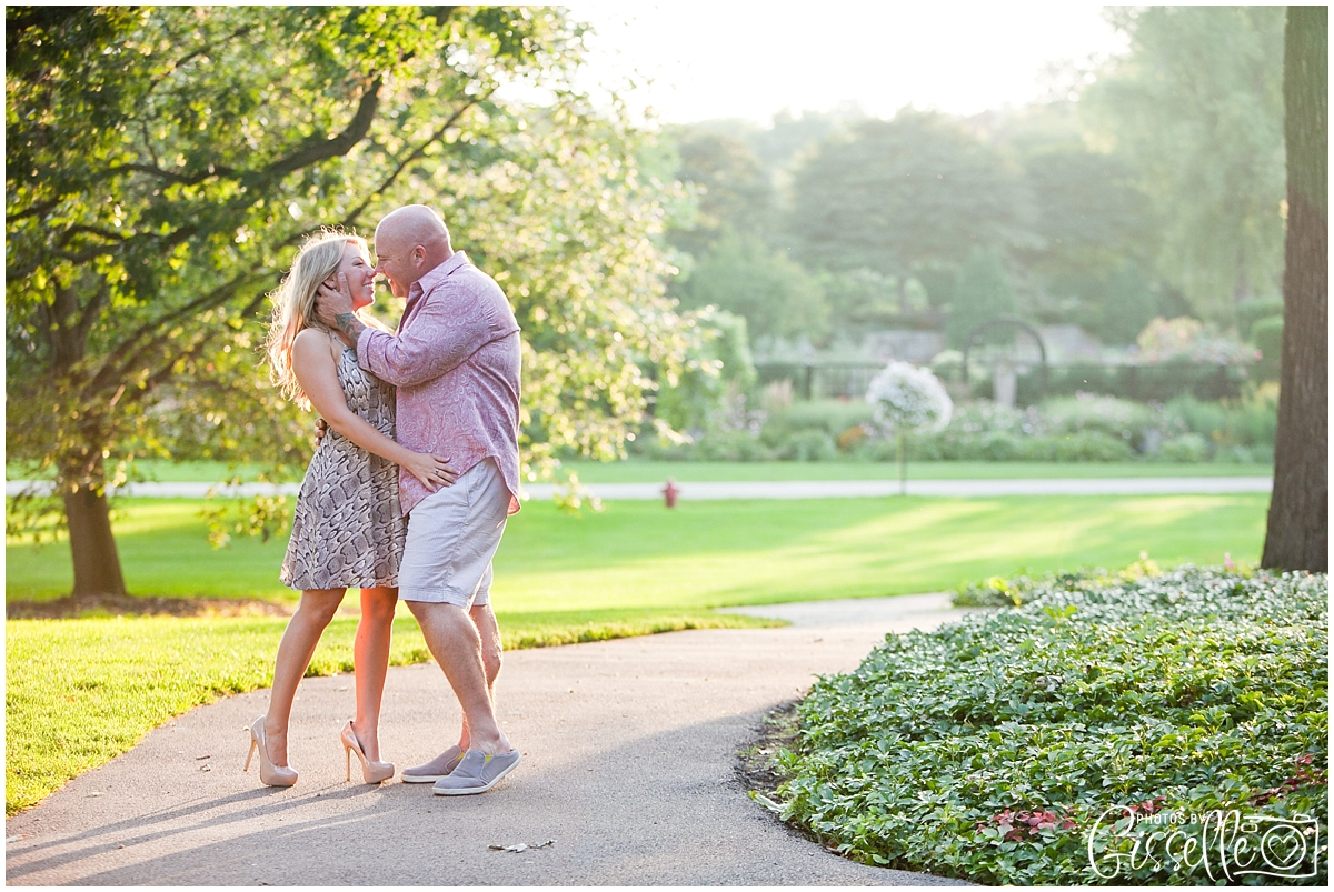 Samantha_Jamie_Cantigny_Park_Engagement_Photos-021.jpg