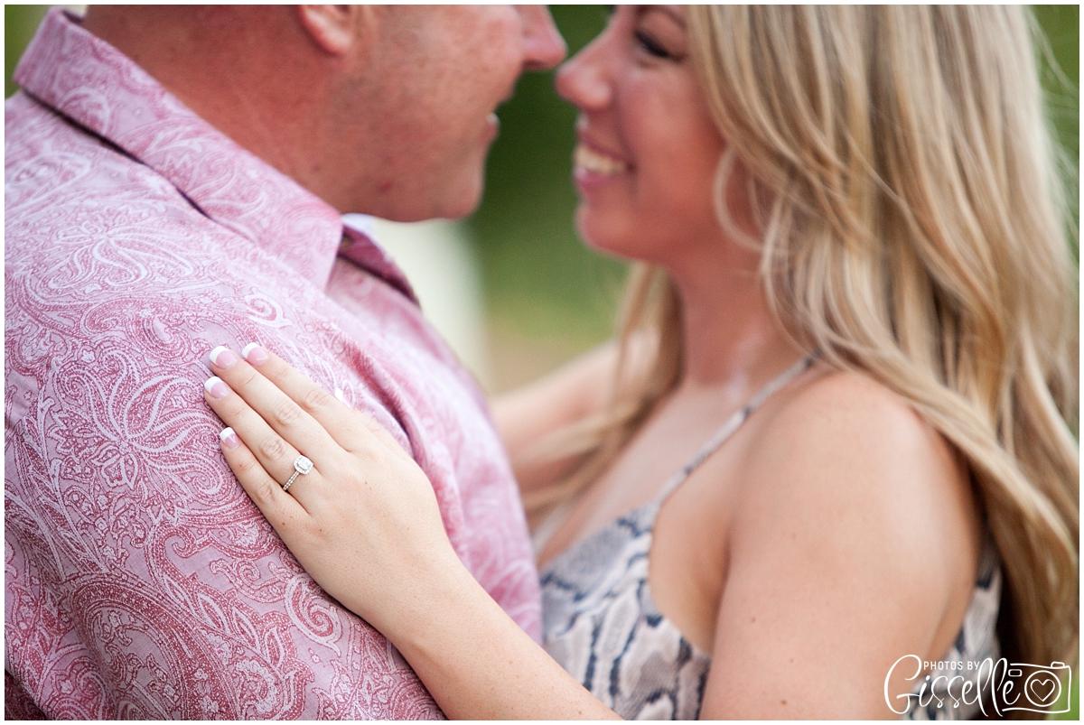 Samantha_Jamie_Cantigny_Park_Engagement_Photos-032.jpg