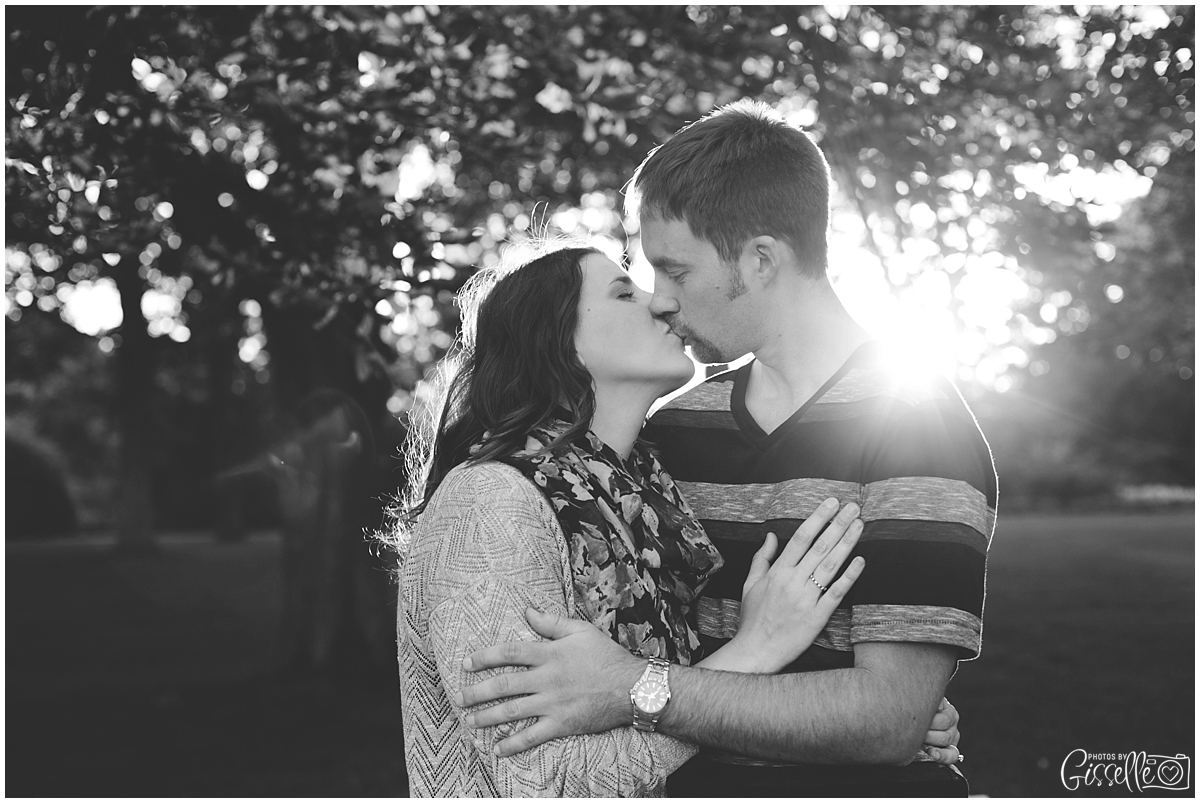 Cantigny-Park-Engagement-Photos_0011.jpg