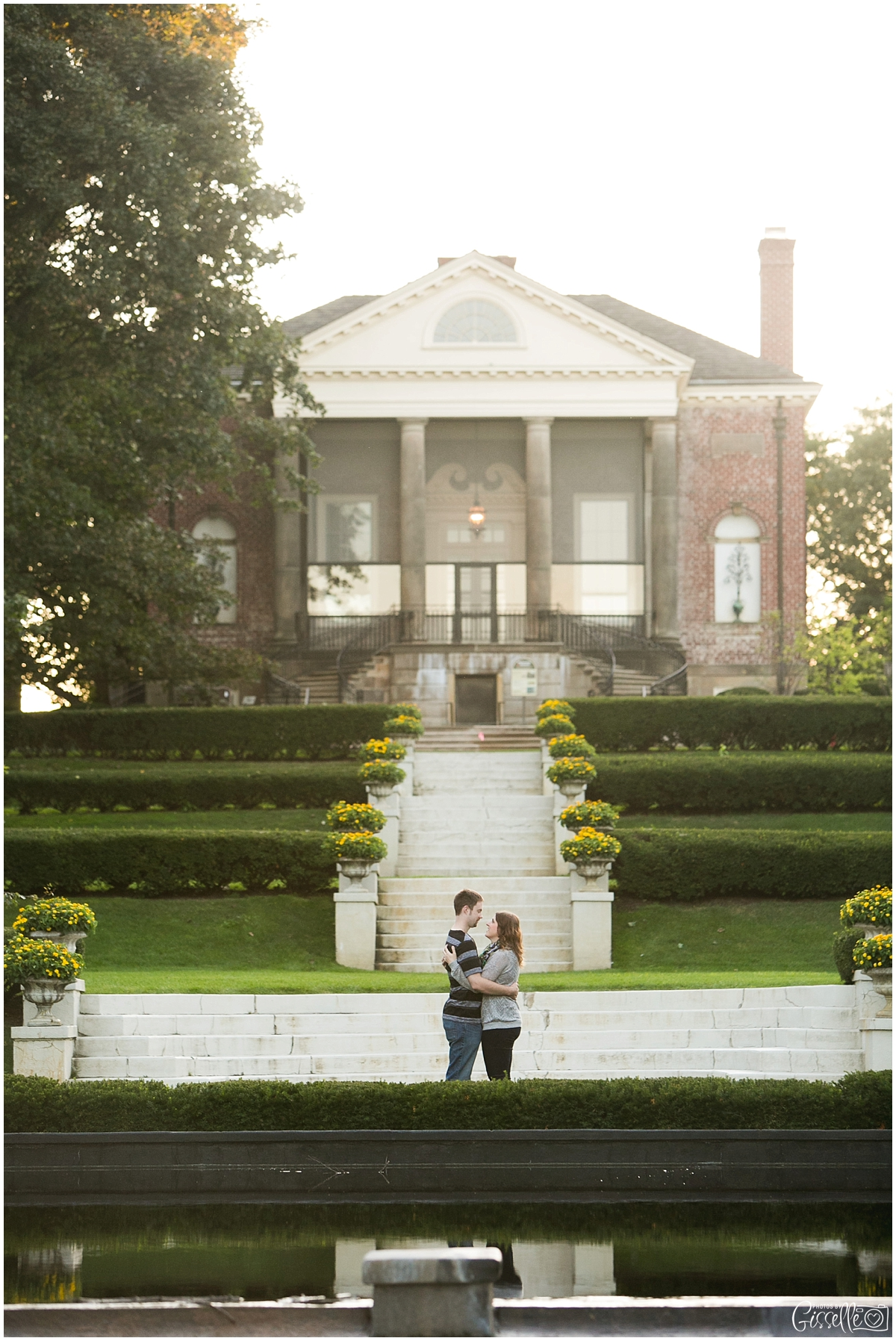 Cantigny-Park-Engagement-Photos_0013.jpg