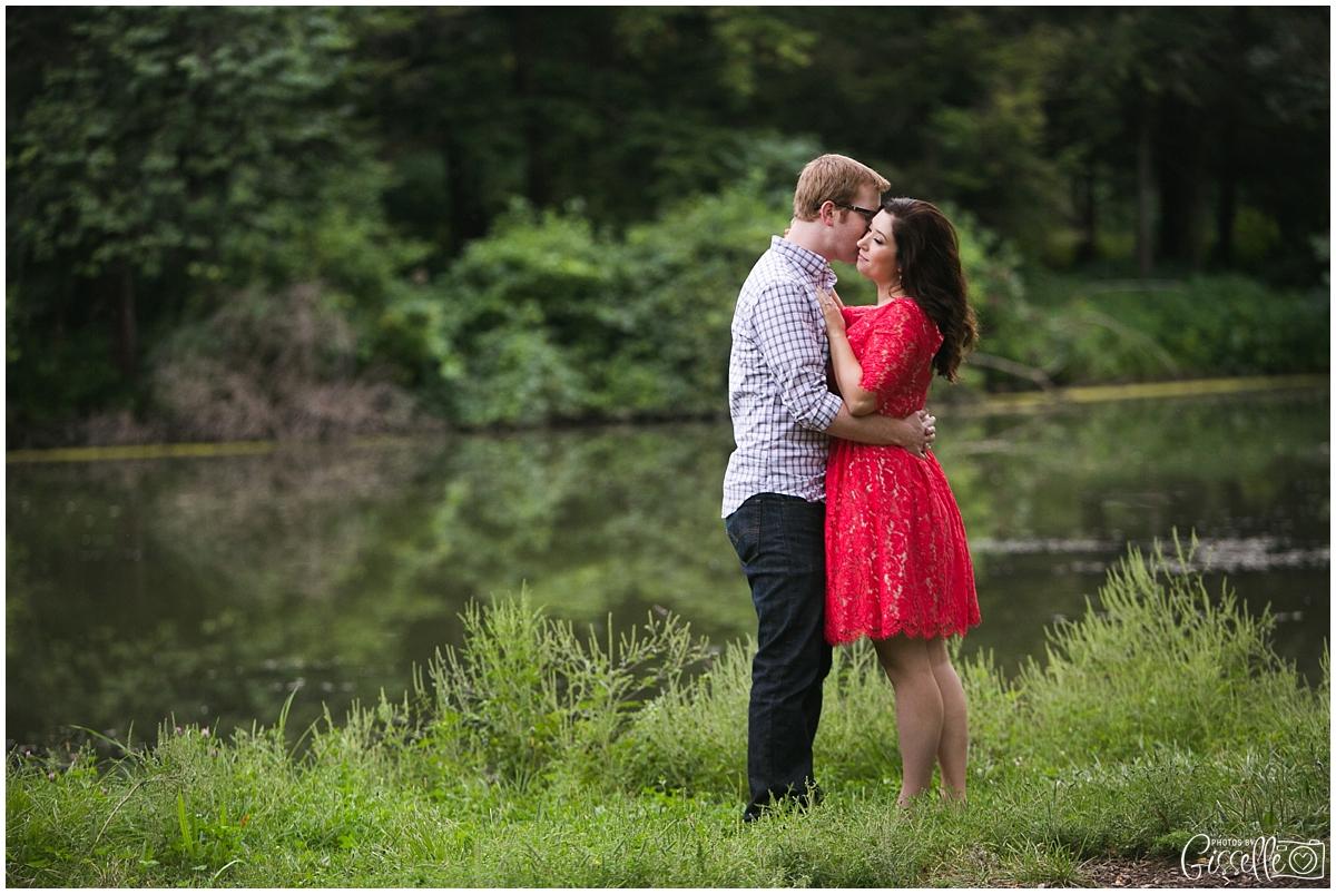 Morton-Arboretum-Engagement-Pictures_0023.jpg