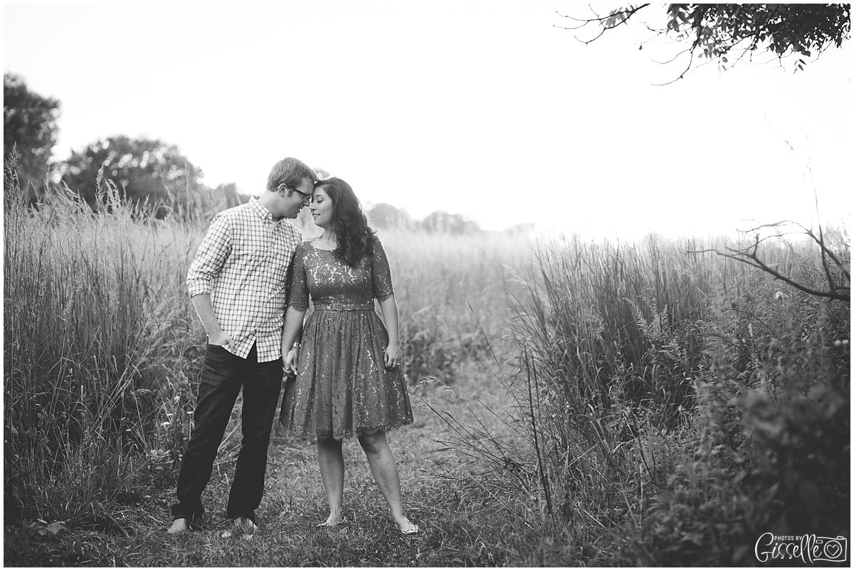 Morton-Arboretum-Engagement-Pictures_0033.jpg