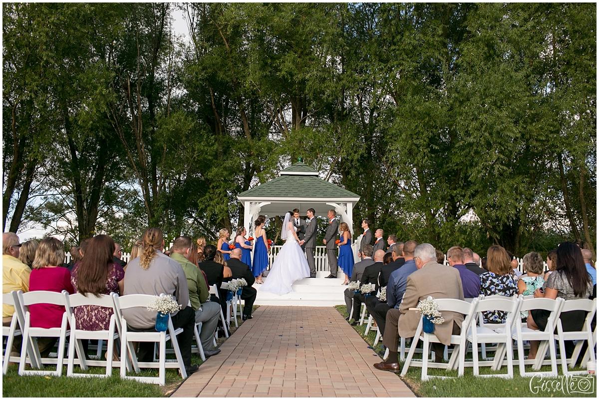 Fox-Valley-Country-Club-Wedding_0006.jpg