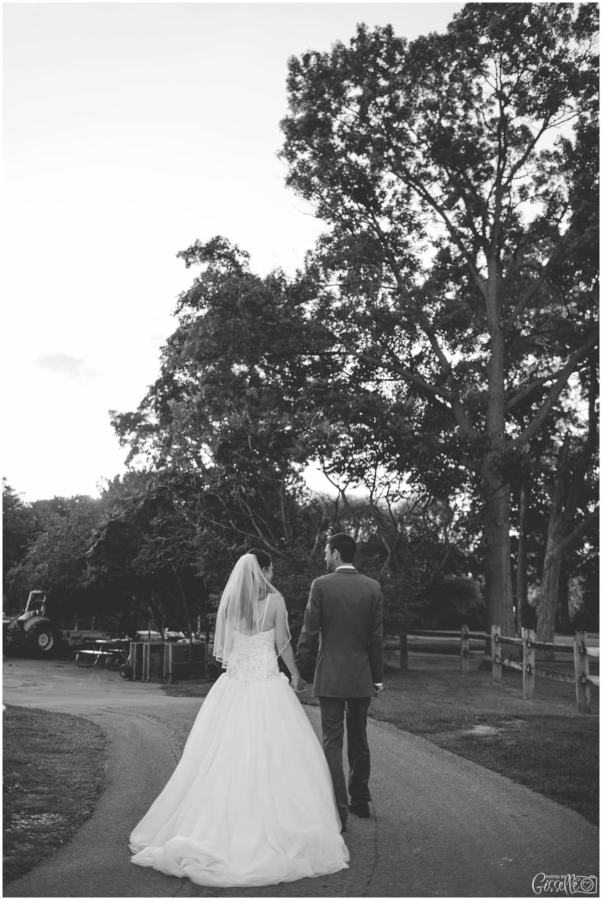 Fox-Valley-Country-Club-Wedding_0016.jpg