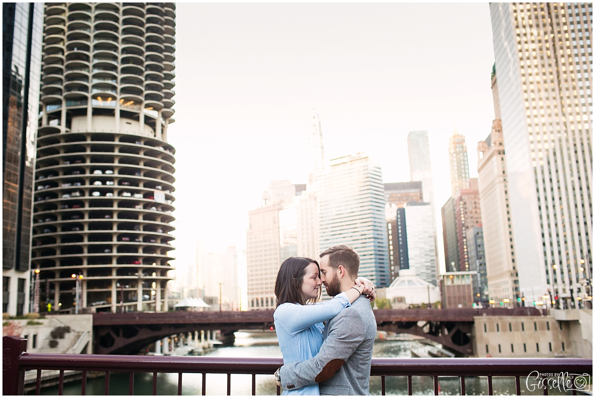 Downtown-Chicago-Engagement-Session_0015.jpg