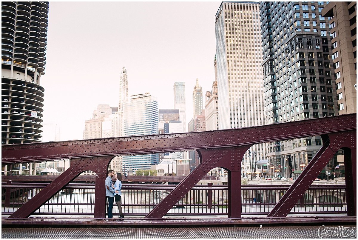 Downtown-Chicago-Engagement-Session_0017.jpg