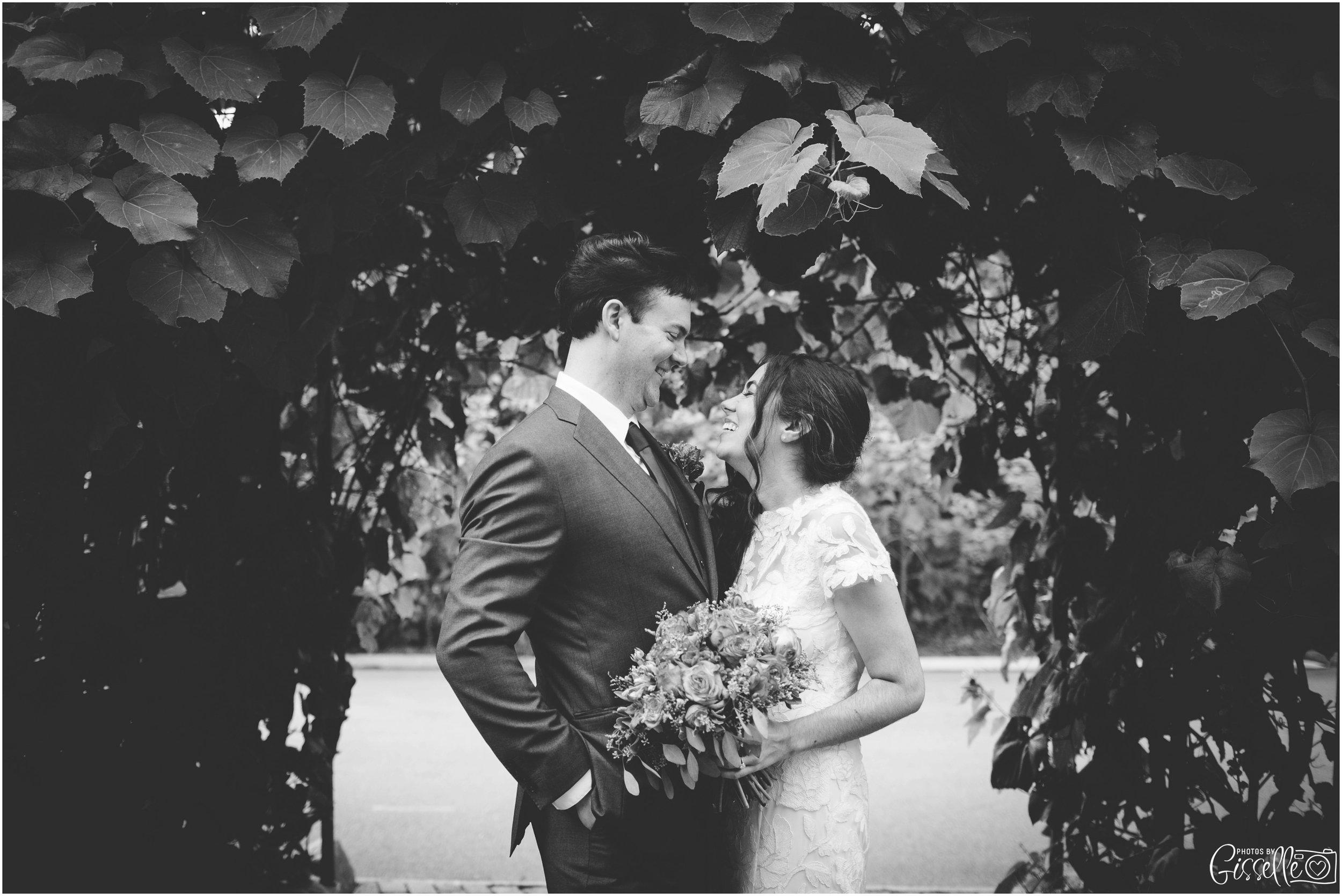 Blumen Gardens Wedding Photos_0014.jpg