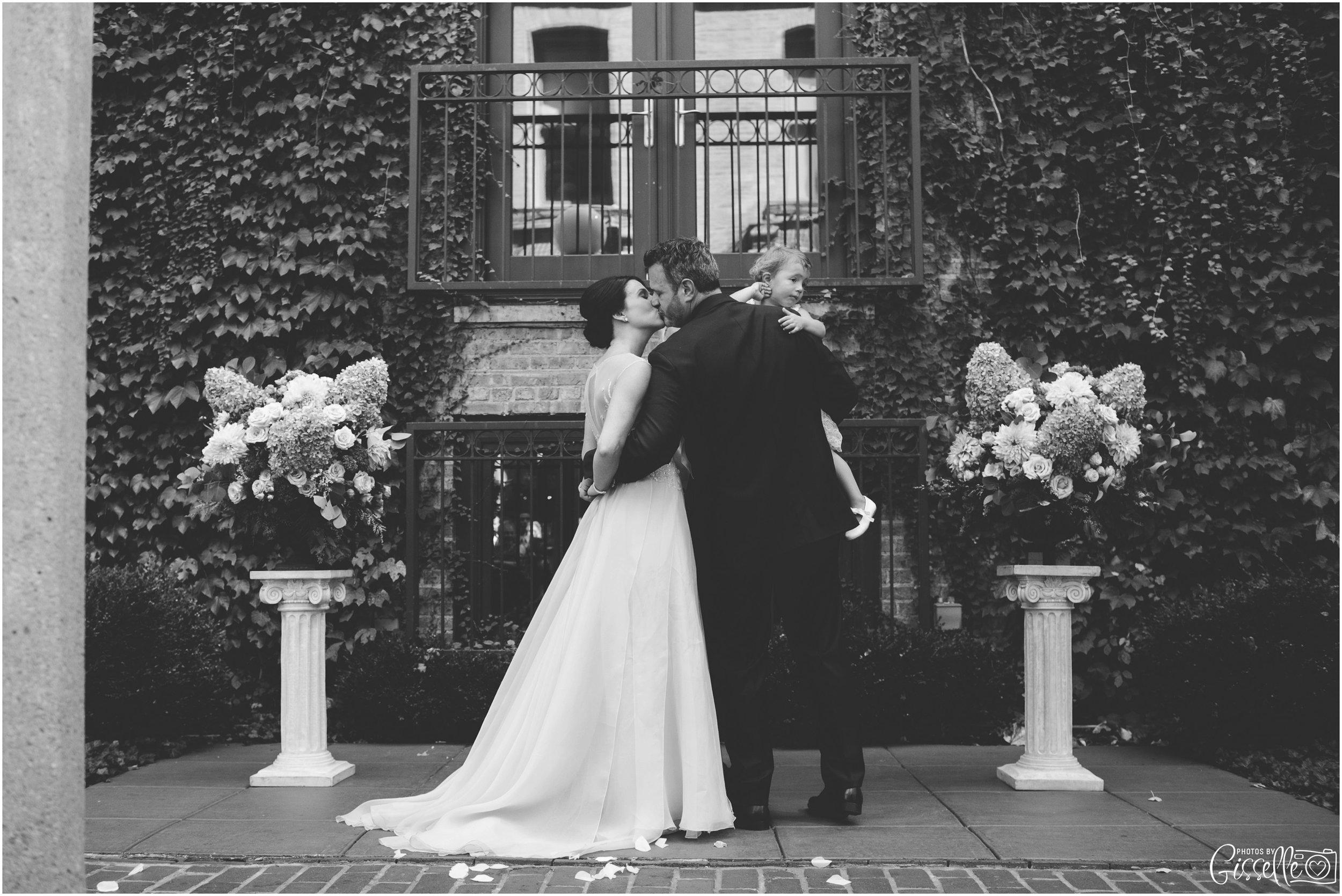 Ivy Room Chicago Wedding_0016.jpg